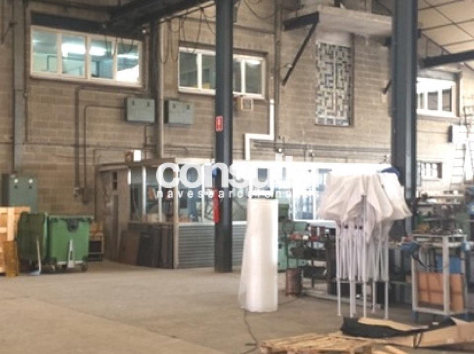 Nave industrial en alquiler y venta en Polinyà
