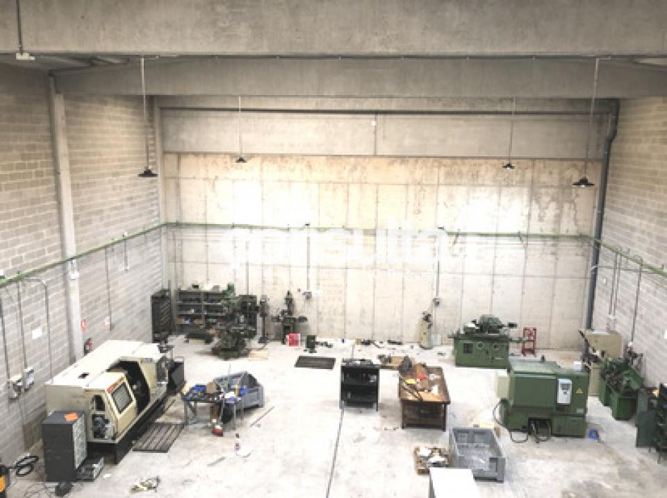 nave industrial alquiler polinya 8