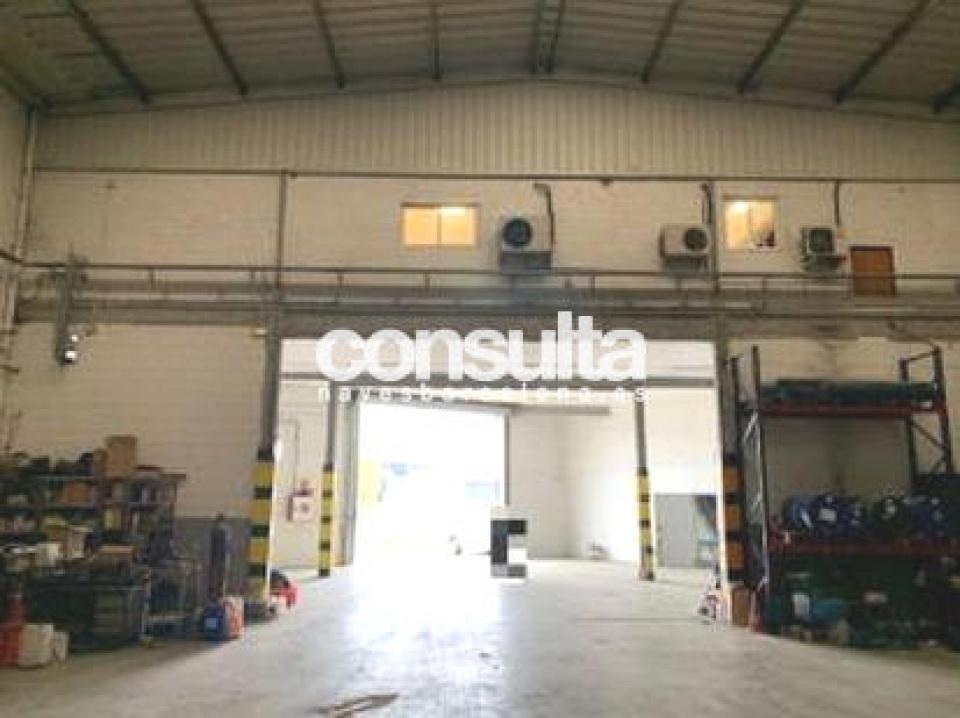 Nave industrial y solar en venta en Esparraguera