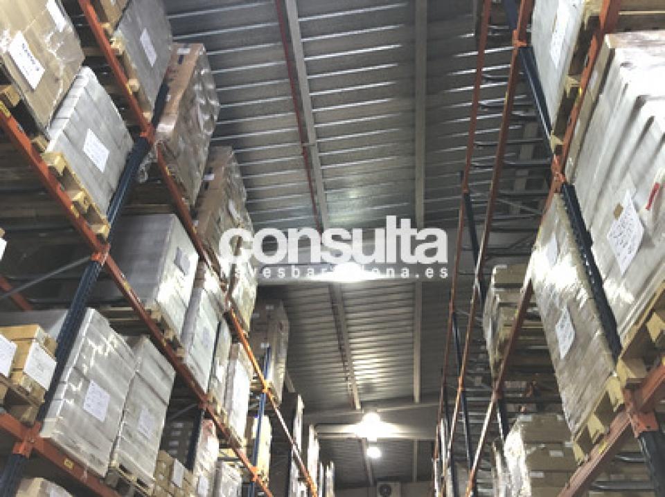 Nave logística en alquiler y venta en Terrassa