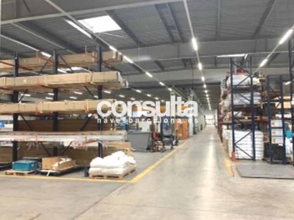 Nave logística en alquiler y venta en Canovelles